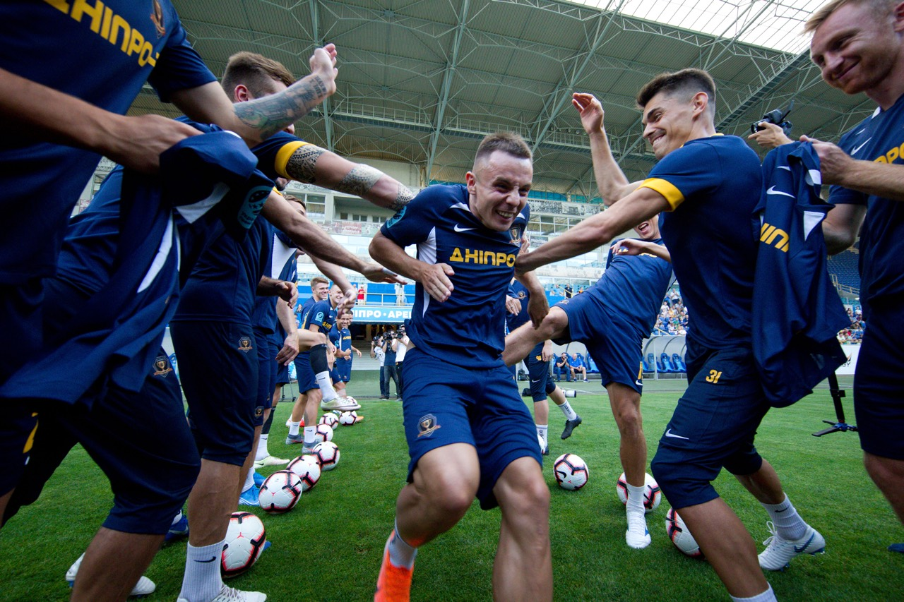 СК «Днепр-1» показал игроков, которые пополнили команду. Новости Днепра