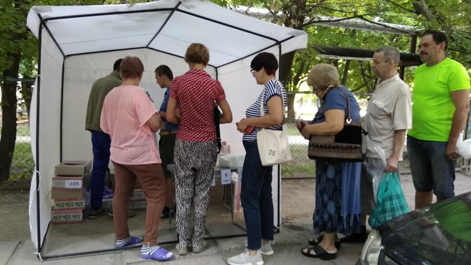 Новости Днепра про В Днепре предприниматели устроили «выборы как праздник»: пирожки по 5 копеек на 26-м округе