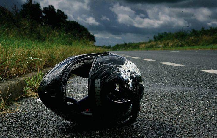 «Жертвы непогоды»: автомобиль на светофоре сбил мотоциклиста. Новости Днепра