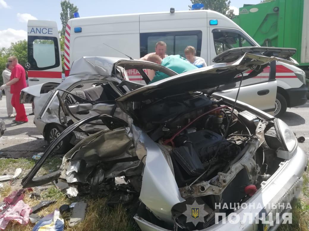 В смертельное ДТП попала семья с Днепропетровщины. Новости Днепра