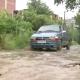 В Днепре дороги затопило водой с глиной: передвигаться невозможно
