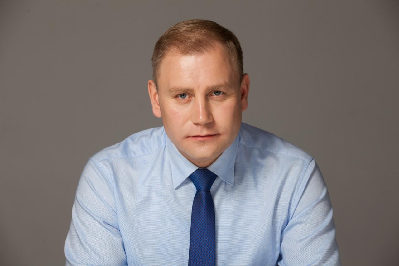 Эксперт рассказал, почему Максим Курячий  лидирует на 25 округе  в Днепре