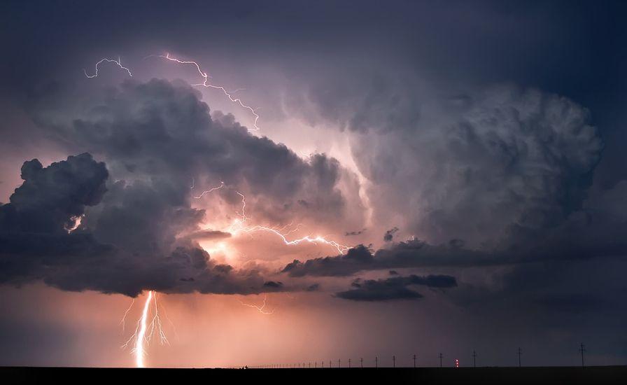 Последствия непогоды видны и сейчас: что успела натворить буря в Днепре. Новости Днепра