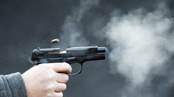 Нетрезвый вооруженный мужчина открыл стрельбу со своего балкона. Новости Днепра