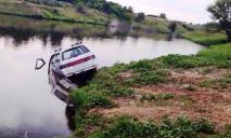 Утопил авто и утонул сам: ЧП на водоеме