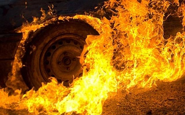 На грани масштабного взрыва: в Днепре на заправке загорелся автомобиль. Новости Днепра