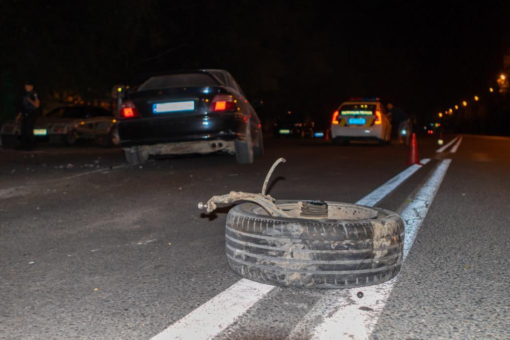 В Днепре столкнулись 3 автомобиля. Новости Днепра