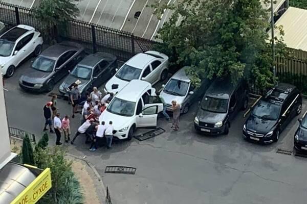 Теща Притулы сбила мать с ребенком машиной: они в больнице с тяжелейшими травмами. Новости Днепра