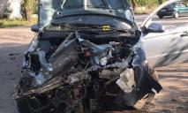 Машины всмятку: Skoda на большой скорости въехала в Chevrolet