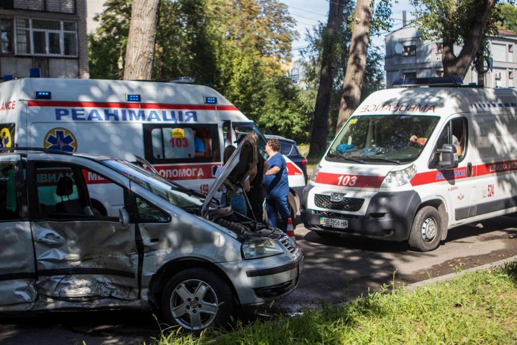 В результате аварии пострадали 4 человека. Новости Днепра