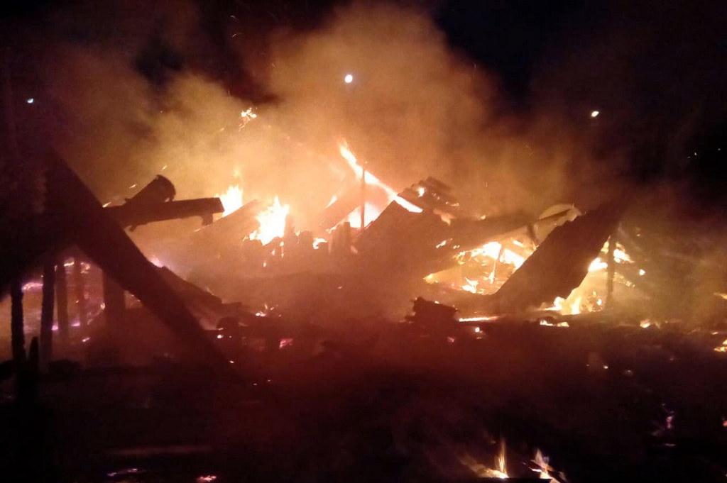 В Днепре дом сгорел дотла: выбраться успели не все. Новости Днепра