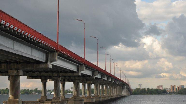Активисты требуют открыть Новый Мост: позиция подрядчиков и компромисс с протестующими. Новости Днепра