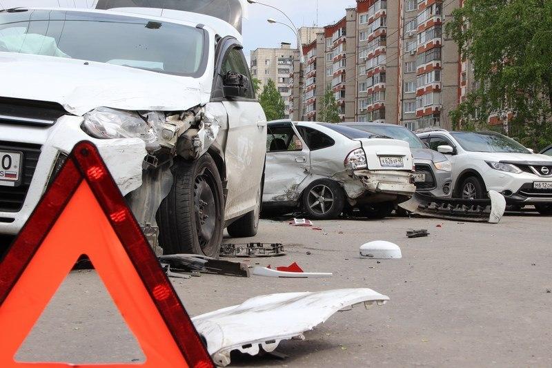 5 машин разбито: погоня двух авто в Днепре закончилась массовым ДТП. Новости Днепра