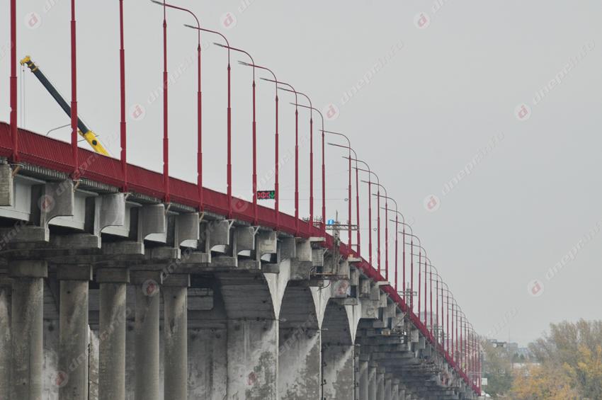 По словам Михаила Лысенко, ремонт Нового моста завершен на 95%. Новости Днепра