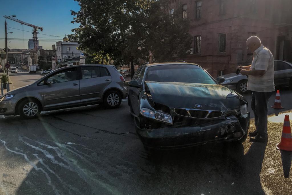 В Днепре пробки из-за ДТП: будьте внимательны. Новости Днепра