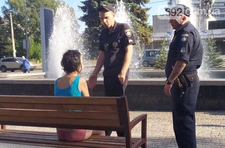 Под Днепром мужчина пытался утопить женщину в фонтане. Новости Днепра