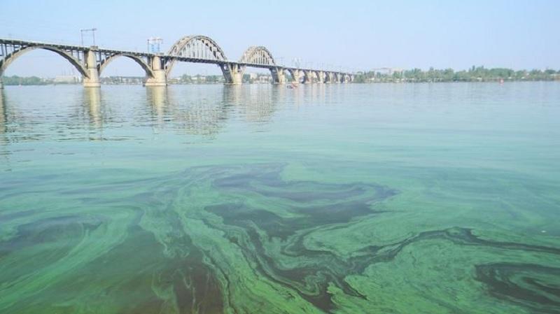 Днепроводоканал оштрафовали за выброс канализации в Днепр на 9 миллионов. Новости Днепра