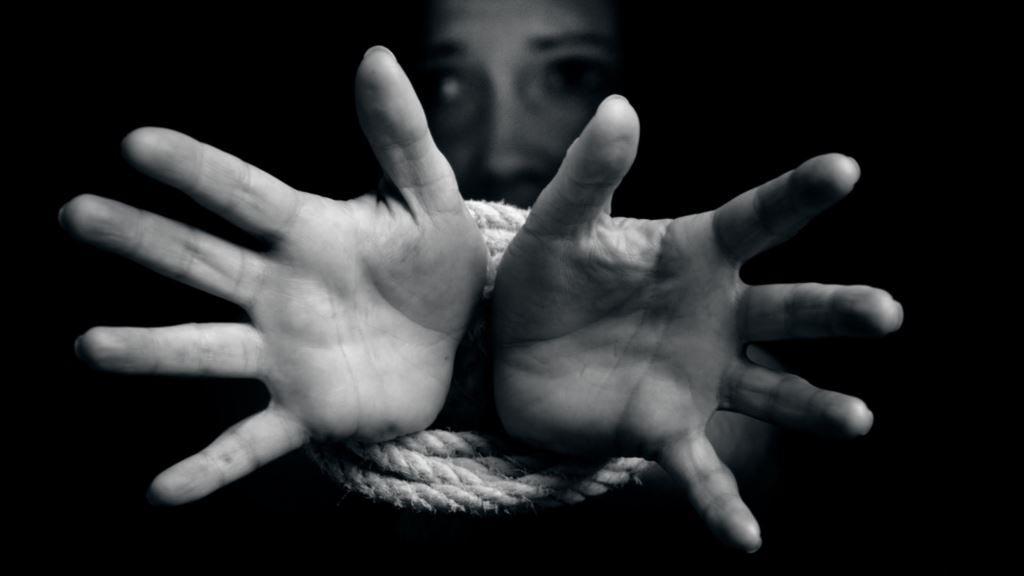 Женщина продала дочь в сексуальное рабство. Новости Украины