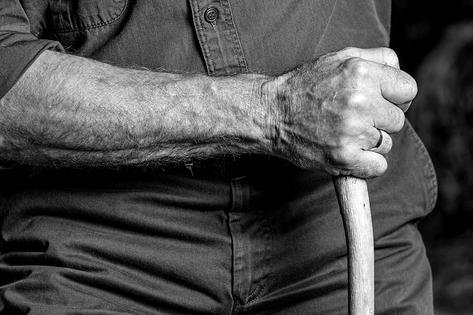 Забил до смерти: пожилой мужчина приревновал свою гражданскую жену. Новости Днепра
