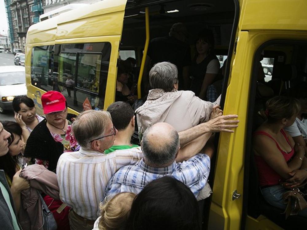 «Как сельди в бочке»: как выглядят маршрутки Днепра в час пик. Новости Днепра