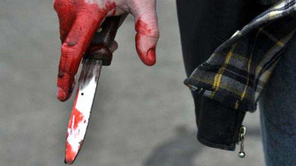 В Днепре мужчина ударил жену ножом посреди улицы и попытался покончить с собой. Новости Днепра