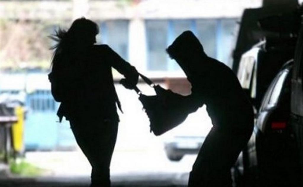 «Безопасный» Днепр: в спальном районе избили и ограбили девушку. Новости Днепра