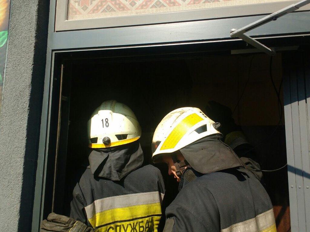 Торговый киоск охватило огнем: подробности. Новости Днепра