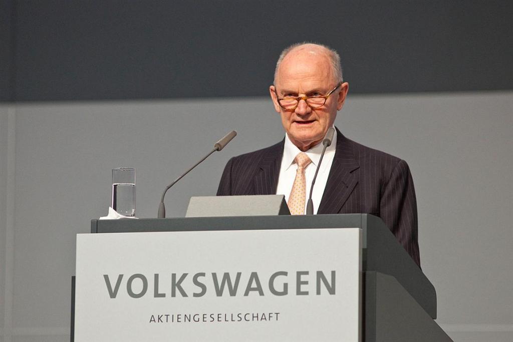 Умер один из самых влиятельных людей компании Volkswagen. Новости мира