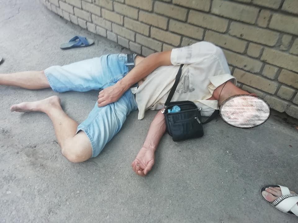 Мужчину в коме забрала с улицы «скорая»: просьба сообщить родственникам. Новости Днепра
