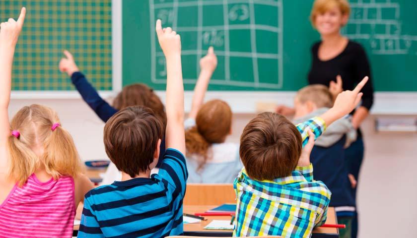 Отмена формы, специальный график и повышение цен: что ожидает школьников в этом году. Новости Днепра