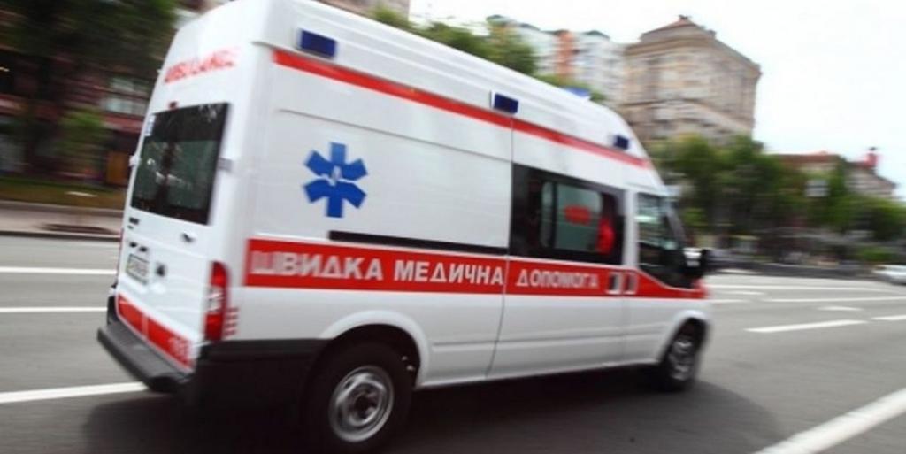 Стоять в пробке - не для всех: водитель выехал на встречку и сбил женщину. Новости Днепра