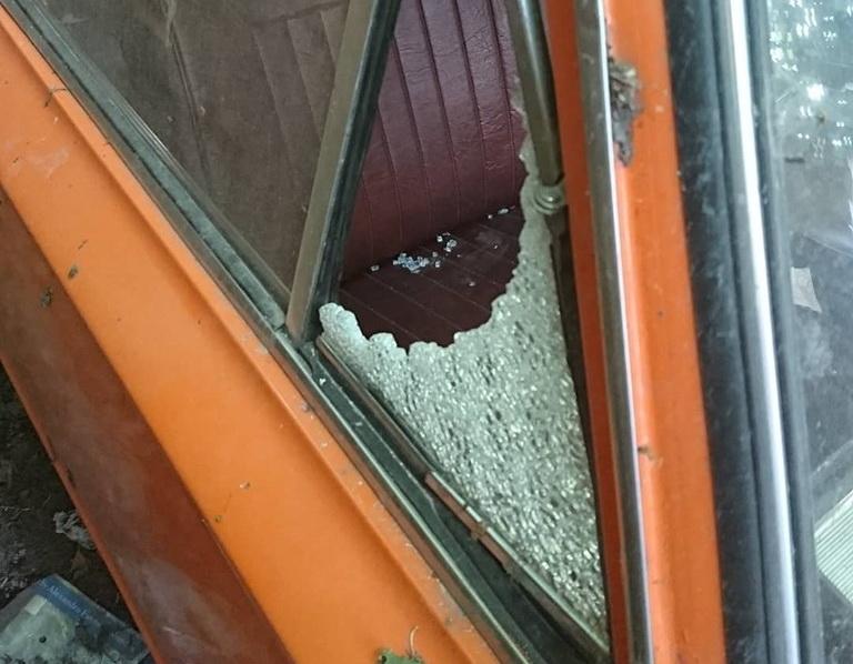 «Не могу понять, кому я насолил»: хулиганы разбили машину Тонконогого. Новости Днепра