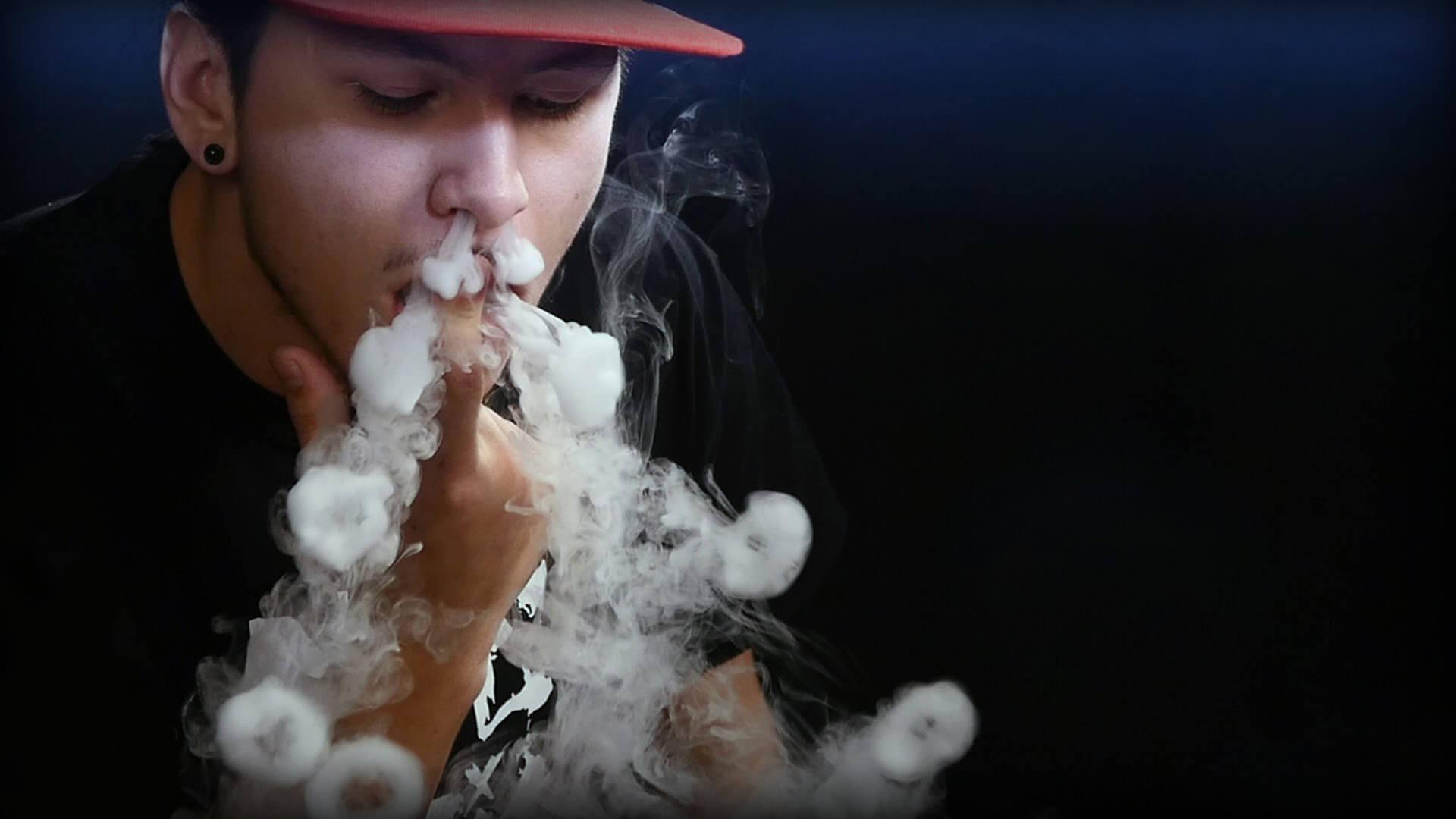 Електронні сигарети можуть заборонити: вже зафіксували 6 смертей. Новини світу