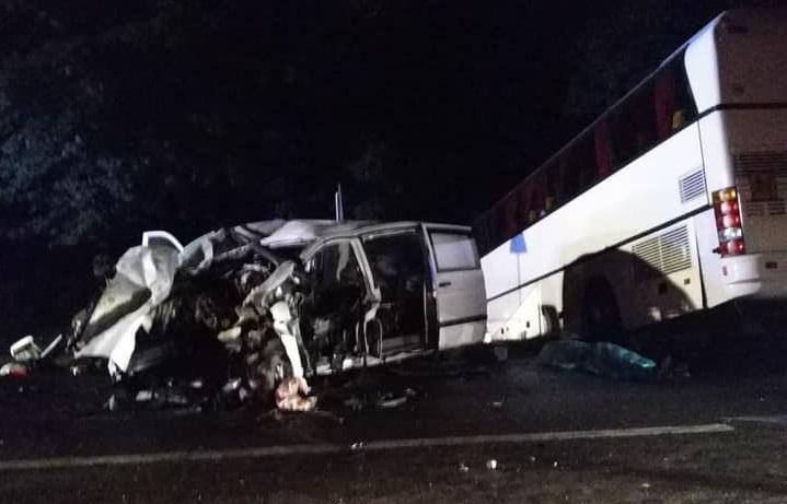 На Львовщине автобус с детьми попал в смертельное ДТП. Новости Украины