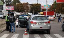 В Днепре на пешеходном переходе сбили мужчину с ребенком