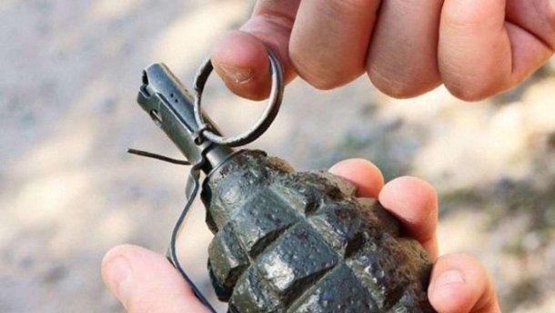 В Днепре мужчина бросил гранату под магазин. Новости Днепра