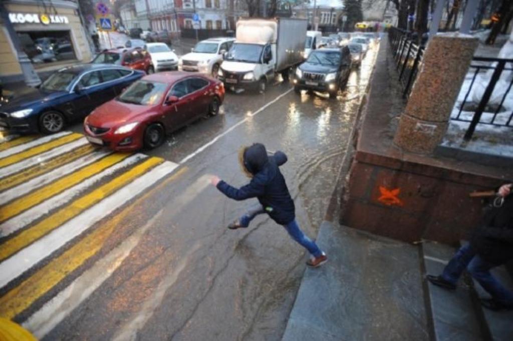 Дети бросаются под колеса. Новости Днепра