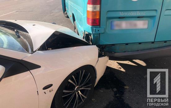 Масштабное ДТП: от удара автомобиль отбросило в маршрутку. Новости Днепра