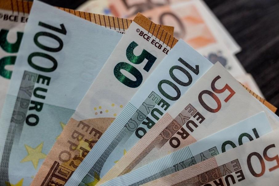 Доллар снова начал расти в цене. Новости Украины