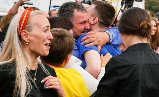 «Наши дома»: в сети появился фильм о возвращении пленных украинцев. Новости Украины
