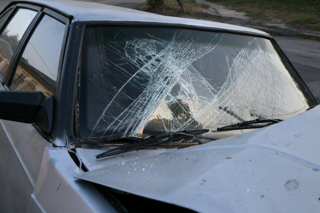«Во всем виноват ребенок»: в Днепре автомобиль врезался в столб. Новости Днепра