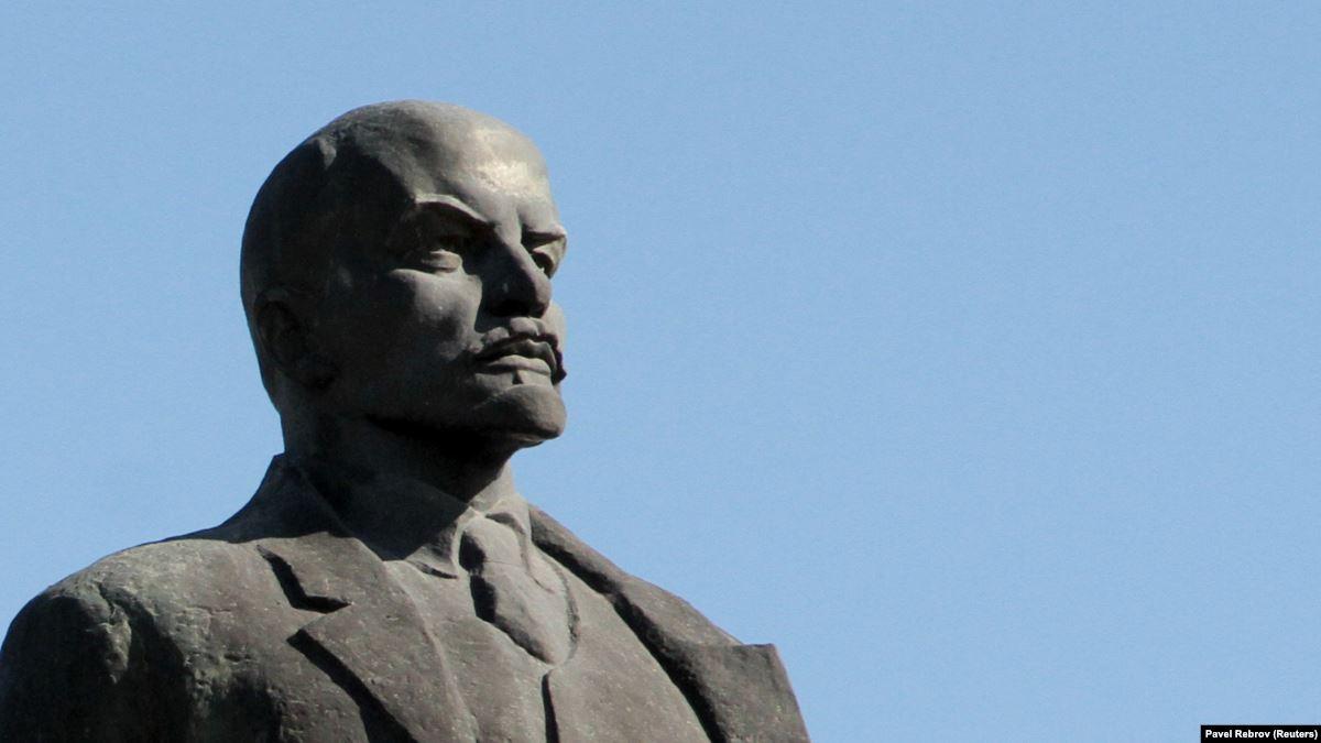 В Днепре убрали «последнего Ленина». Новости Днепра