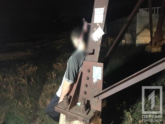 Повесился на столбе: труп мужчины нашли прохожие. Новости Днепра