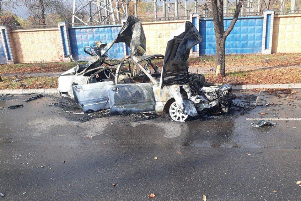 ДТП, пожар и взрыв: женщина застряла в горящей машине. Новости Днепра