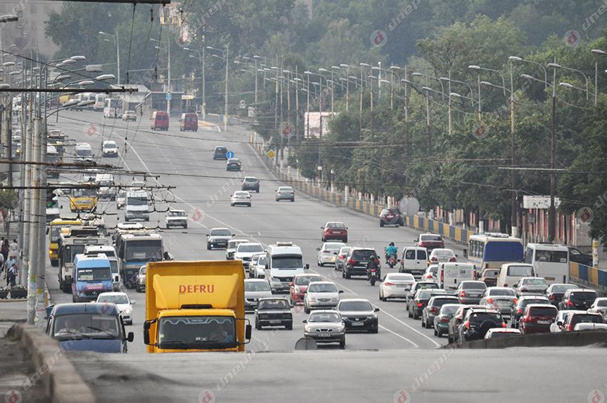 На крупном проспекте в Днепре хотят запретить движение грузовиков. Новости Днепра