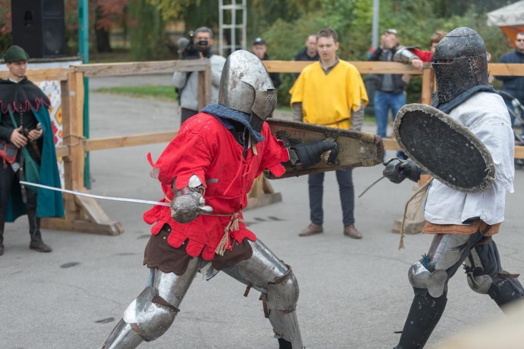 Средневековые развлечения: в Днепре сражались рыцари. Новости Днепра