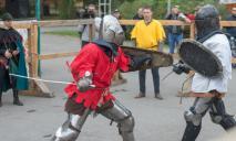 Средневековые развлечения: в Днепре сражались рыцари