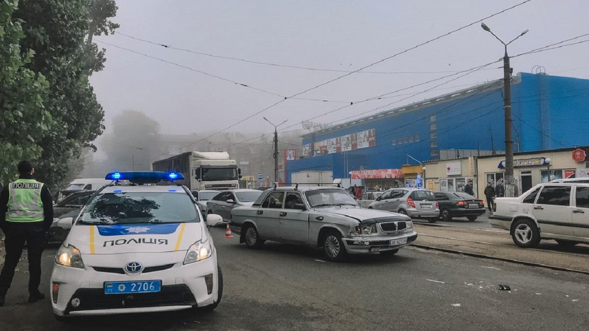 Потерял сознание за рулем: в Днепре водитель протаранил 4 авто. Новости Днепра
