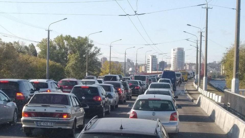 Из-за аварий в Днепре образовались большие пробки. Новости Днепра