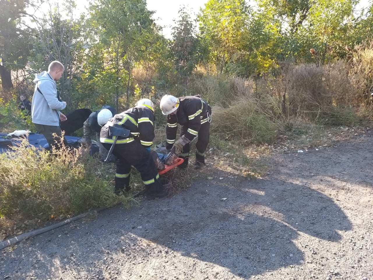 Погиб пассажир: авто влетело в фуру, полиция ищет свидетелей. Новости Днепра